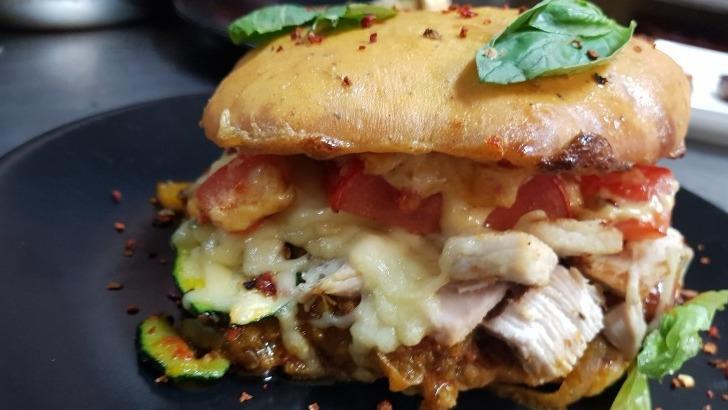 restaurant-vauban-a-huningue-burger-de-volaille-a-provencale