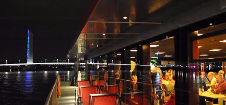 diner-croisiere-a-bord-du-bordeaux-river-cruise-restaurant-sicambre-menu-jour-camembert-roti-carpaccio-de-canard-a-orange-supreme-de-canette