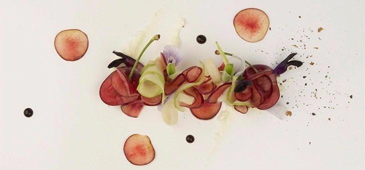 dessert-signature-frederick-lyard-chef-du-restaurant-sens-uniques-a-paris-18