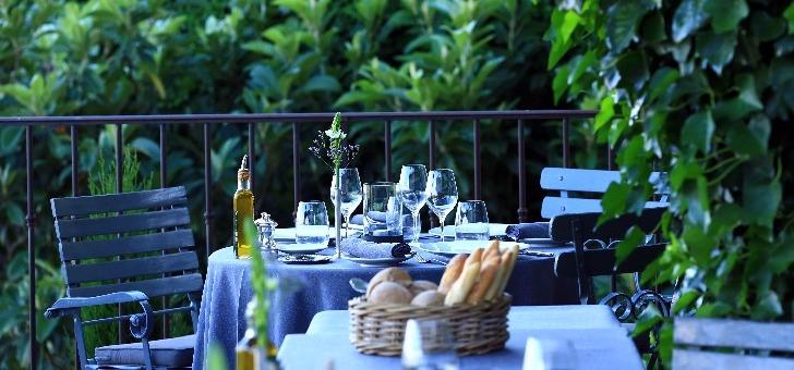 restaurant-jerome-blanchet-crillon-le-brave-cadre-fantastique-classe-plus-beaux-villages-de-france