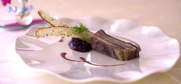 millefeuille-de-boeuf-et-foie-gras