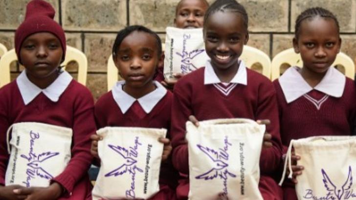 marque-beautywaps-est-engagee-pour-aider-ecolieres-au-kenya
