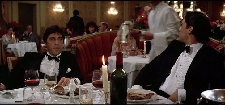 scarface-film-scene-de-menage-au-restaurant
