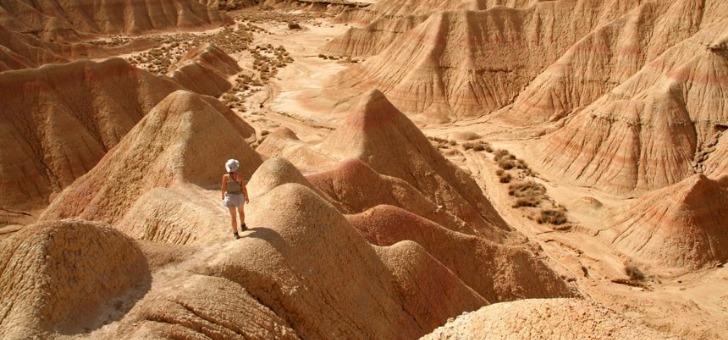 besoin-de-grands-espaces-pourquoi-pas-partir-dans-desert-et-choisir-sa-destination-avec-agence-de-voyage-balaguere