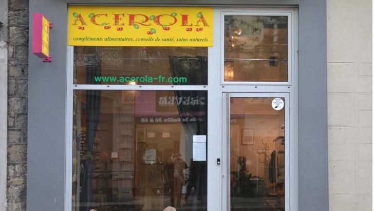 acerola-a-paris-et-a-saint-etienne-facade-de-boutique-a-saint-etienne