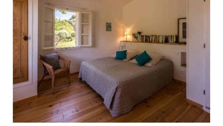 domaine-de-font-des-peres-a-beausset-des-chambres-d-hotes-confortables