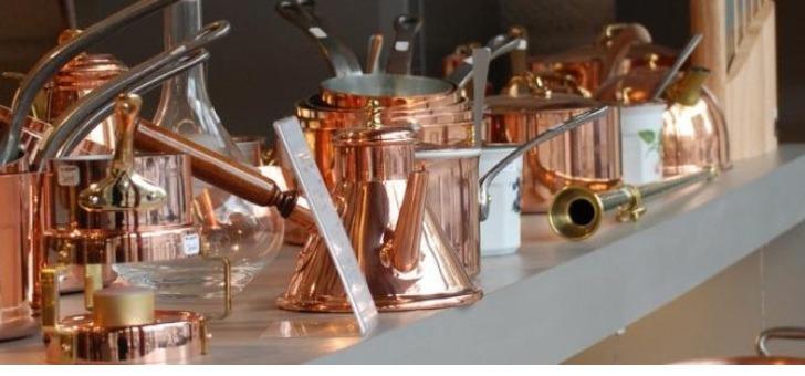 atelier-du-cuivre-a-villedieu-poeles-une-vaste-gamme-de-produits-a-decouvrir-au-show-room