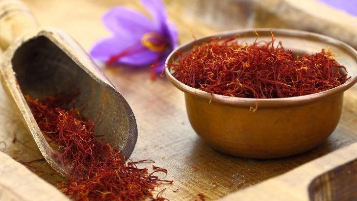 une-petite-fleur-au-parfum-d-exotisme-decouvrez-culture-du-safran-de-retz
