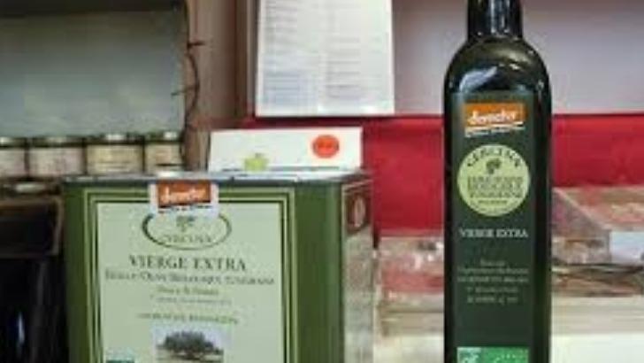 huile-d-olive-extra-vierge-cercina-mono-varietale-a-particularite-de-presenter-un-taux-d-acidite-tres-bas-et-est-distribuee-dans-160-points-de-vente-france