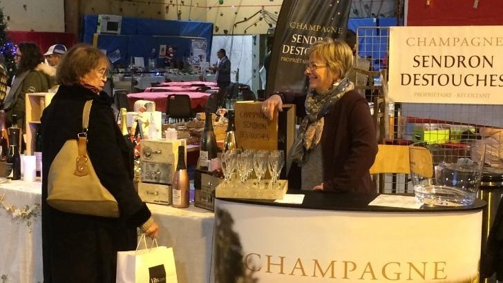 champagne-sendron-destouches-a-breuil-participe-a-de-nombreux-salons-et-foires-tout-au-long-de-annee
