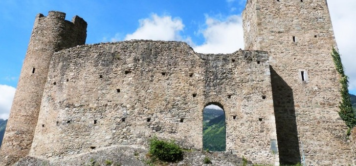 chateau-sainte-marie-sur-hauteurs-de-luz-saint-sauveur