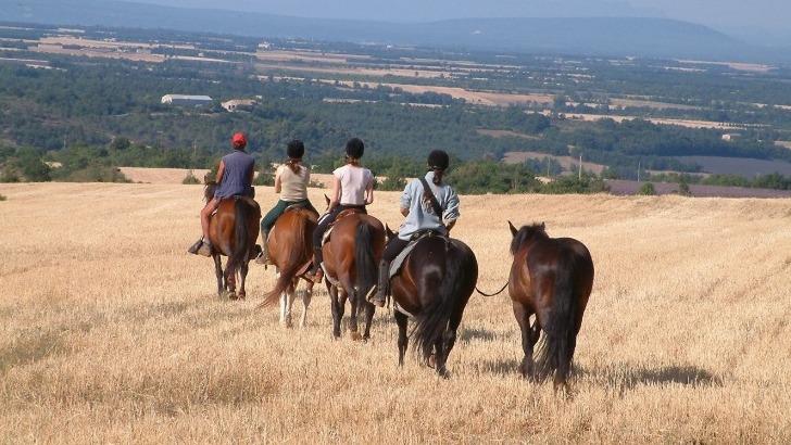 promenade-equestre-a-moustiers-sainte-marie