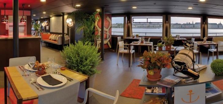 restaurant-sicambre-a-bord-du-bateau-bordeaux-river-cruise-diner-dejeuner-croisiere-avec-menu-gastronomique
