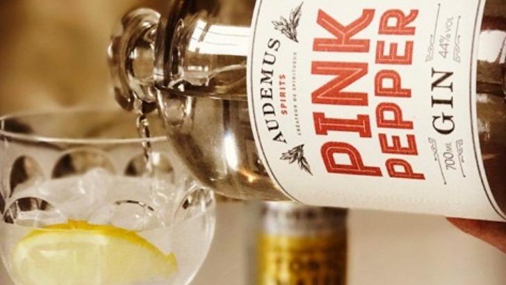 pink-pepper-gin-est-produit-phare-d-audemus-spirits-a-decouvrir-absolument