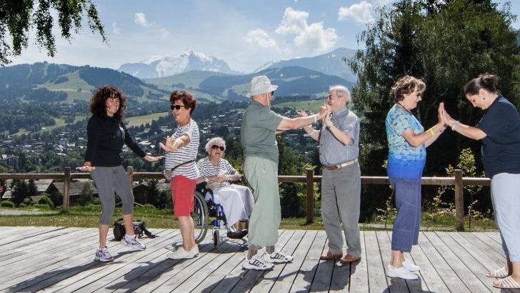 mont-blanc-oxygene-a-megeve-une-bouffee-d-oxygene-pour-proches-aidants-et-personne-perte-d-autonomie-ici-des-activites-plein-air