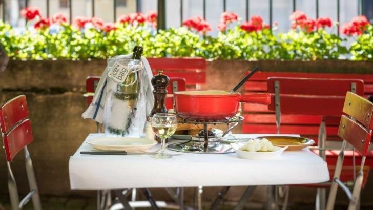restaurant-cafe-du-soleil-fondue-servie-cassoton