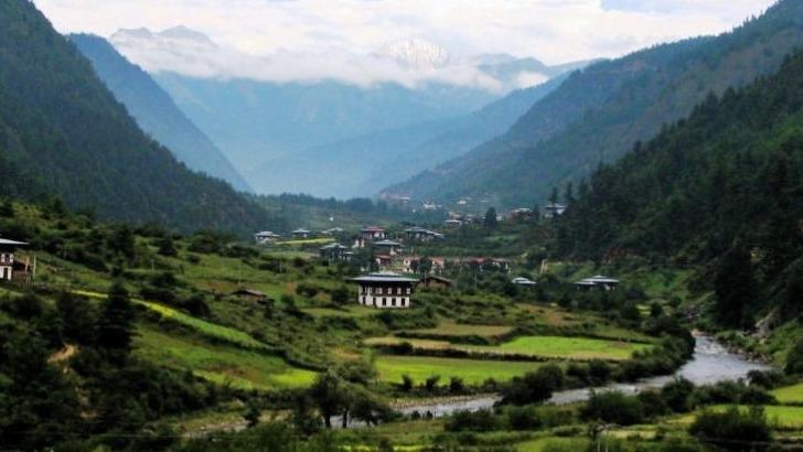 exquisite-bhutan-paysage-himalayen-dans-toute-sa-splendeur