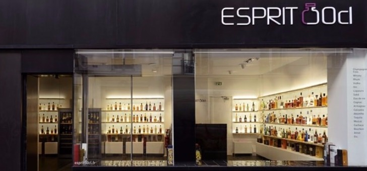 facade-de-boutique-esprit-50-cl-a-paris