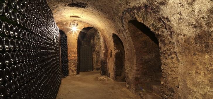 caves-historiques-dediees-au-vieillissement