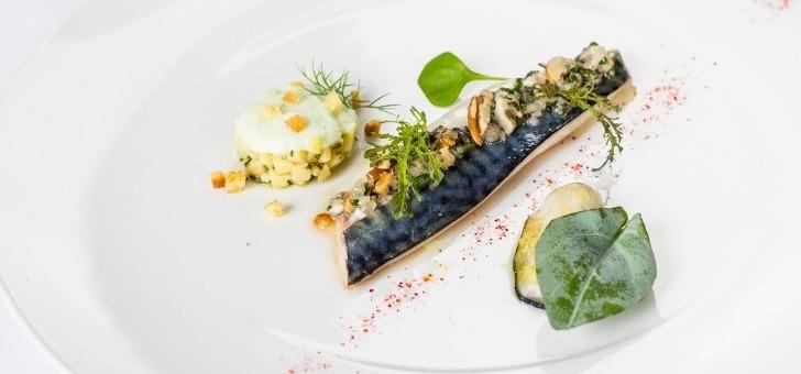 Restaurant ch teau la chenevi re port en bessin huppain for Formation cuisine gastronomique