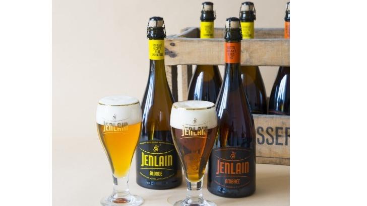 bieres-de-brasserie-duyck-sont-conditionnees-dans-des-bouteilles-champenoises