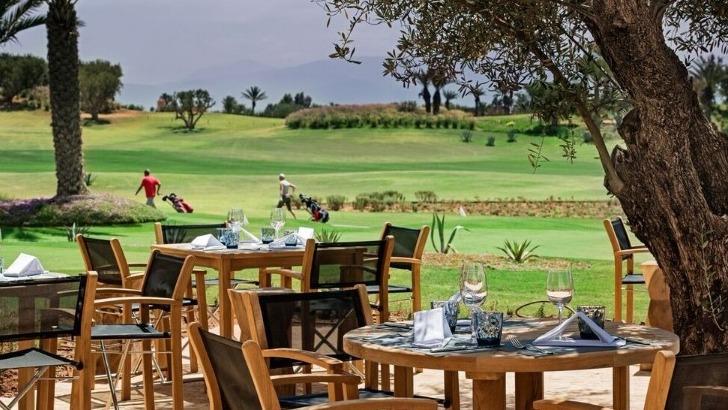fairmont-royal-palm-a-marrakech-un-espace-prive-donne-sur-impressionnant-parcours-de-golf