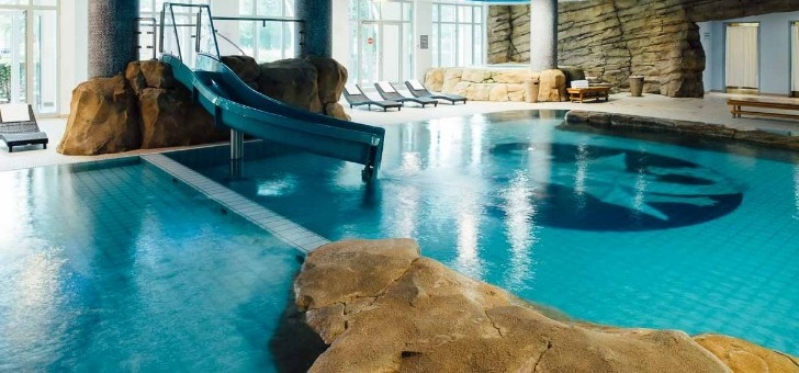 piscine-spa-asian-villa-du-vienna-house-dream-castle-a-paris-disneyland