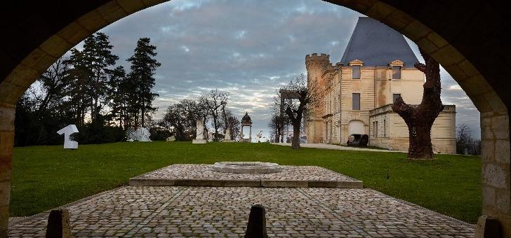 histoire-chateau-prince-noir-est-liee-a-homme-edouard-de-woodstock-dit-prince-noir-personnage-mythique-lors-de-guerre-de-cent-ans-regnant-a-principaute-d-aquitaine