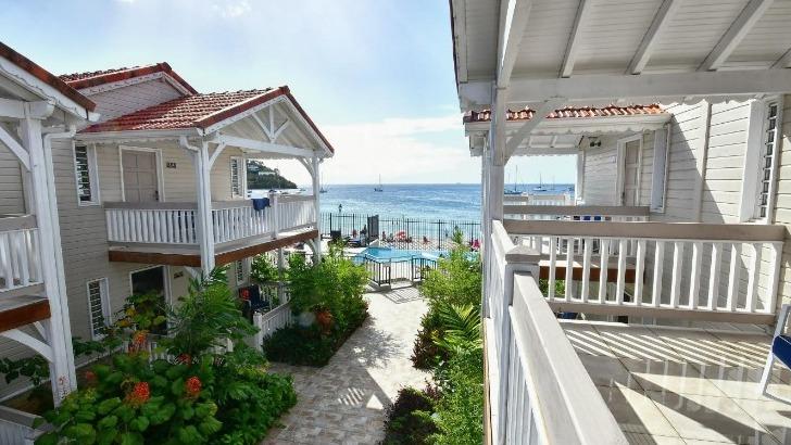 hotel-bambou-un-endroit-paradisiaque-avec-vue-imprenable-sur-mer