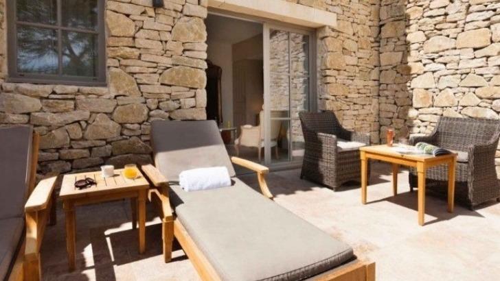 hotels-et-hebergements-le-mas-des-herbes-blanches-a-joucas