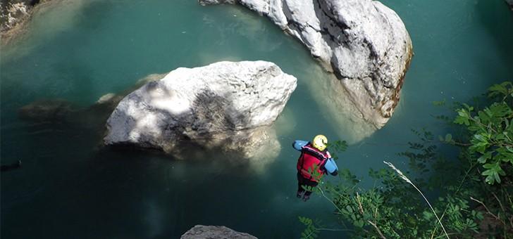 yeti-rafting-a-castellane-vivre-une-experience-sensationnelle-dans-gorges-du-verdon