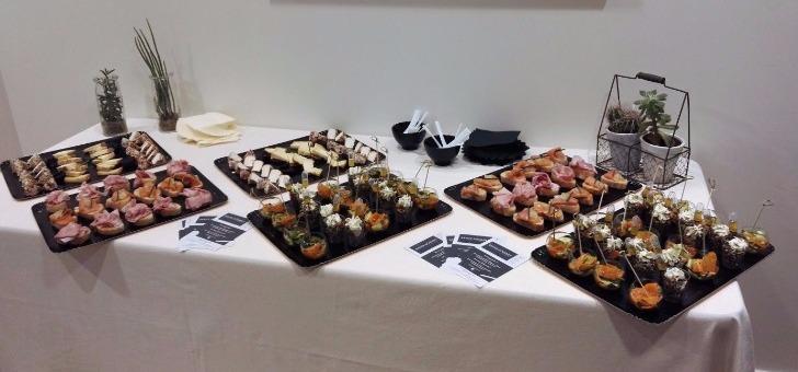 buffet-traiteur-produits-frais-et-du-marche-au-restaurant-traiteur-xavier-gourmet-au-puy-velay