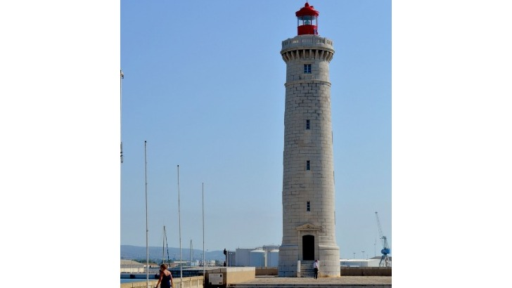 phare-saint-louis-a-sete