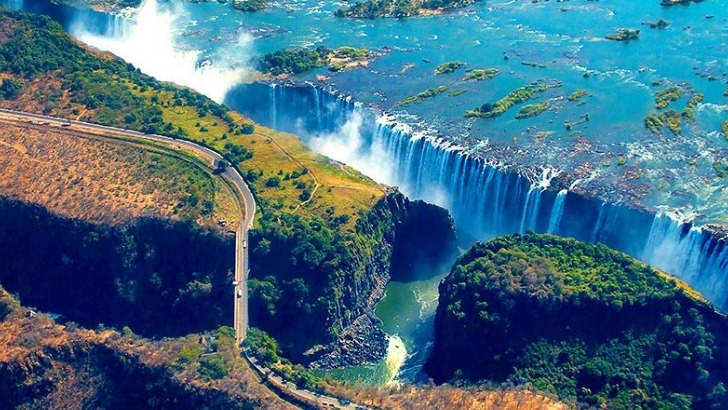 zimbabwe-chutes-victoria