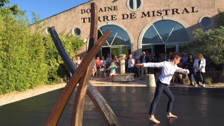 snc-terre-de-mistral-a-rousset-saison-estivale-rime-avec-musique-art-et-culture