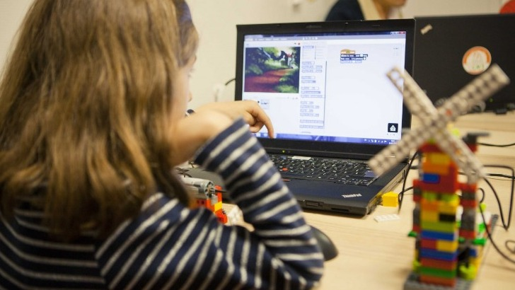 magic-makers-a-paris-ateliers-de-code-apprendre-a-raisonner