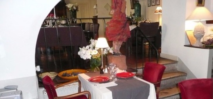 salle-decoration-conviviale-restaurant-treille-muscate-a-cliousclat