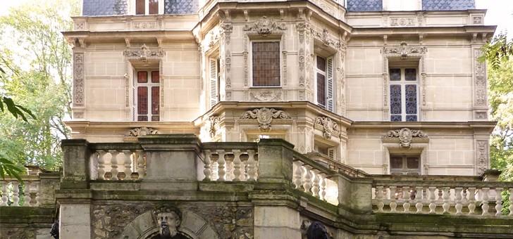 chateau-de-monte-cristo-a-saint-germain-laye-ancienne-demeure-d-alexandre-dumas-a-port-marly-dans-yvelines