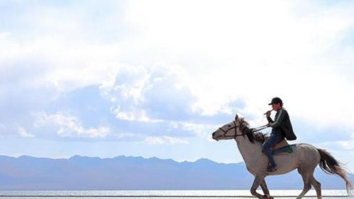 kyrgyz-what-a-bishkek-une-promenade-a-cheval-au-bord-du-lac