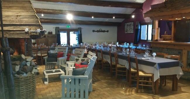 restaurant-bartavelle-a-beaufort-ambiance-chalet-de-montagne-menu-cuisine-traditionnelle-specialites-de-region