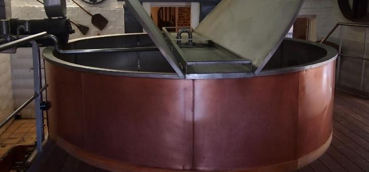 ecomusee-de-brasserie-sont-devoiles-art-du-metier-de-brasseur-de-famille-castelain-et-secrets-de-fabrication-d-une-biere-de-garde-traditionnelle