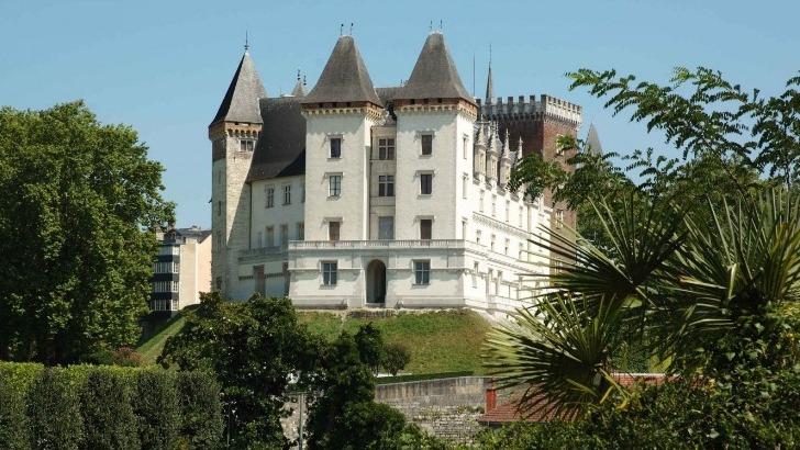 facade-ouest-du-chateau-de-pau