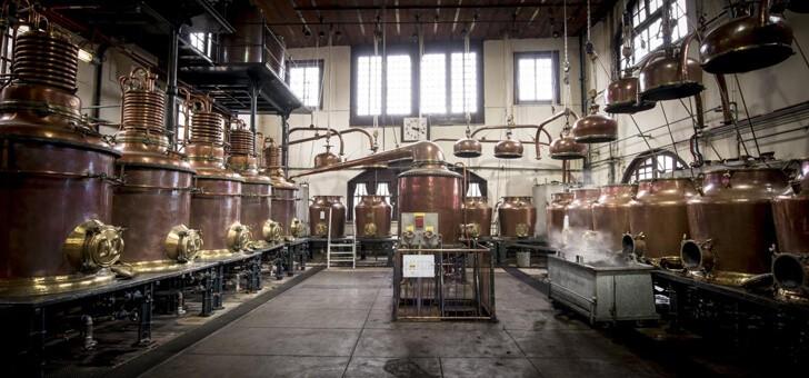 distillerie-aux-alambics-de-cuivre-martele