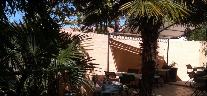 restaurant-alizes-a-saint-pierre-d-oleron-ile-d-oleron-patio-ambiance-plage-detente-et-bonne-gastronomie