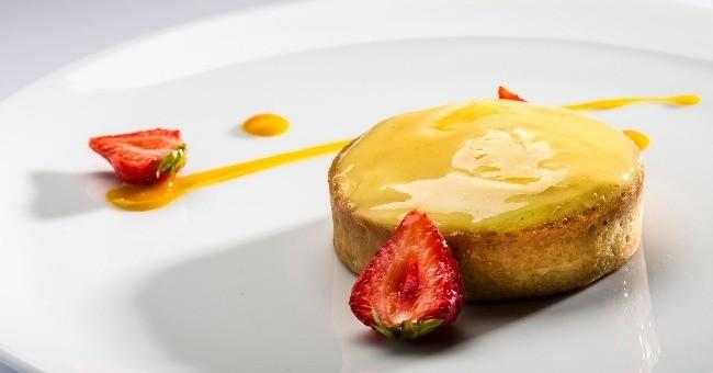 dessert-a-choisir-sur-chariot-a-patisseries-restaurant-duc-westminster