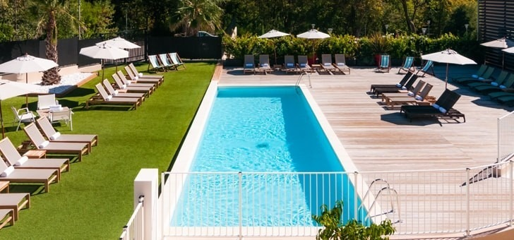 une-belle-piscine-pour-vos-apres-midi-d-ete