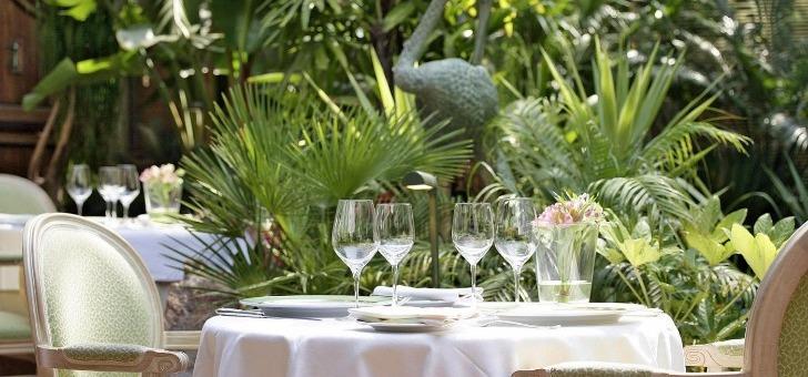 restaurant-oasis-mandelieu-napoule-cadre-exotique