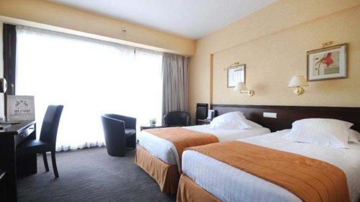 splendid-hotel-des-chambres-confortables-et-non-fumeurs-a-destinations-des-familles-voyageurs-touristes-hommes-d-affaire-du-monde-entier
