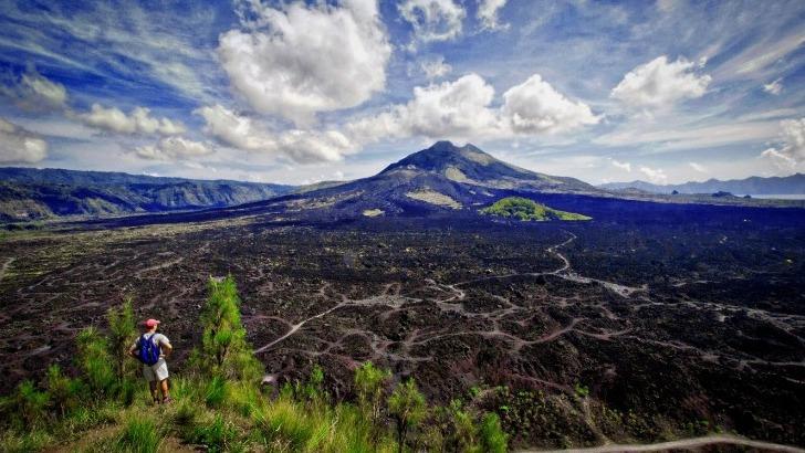 indonesie-photo-du-caldeira-du-volcan-batur-a-bali