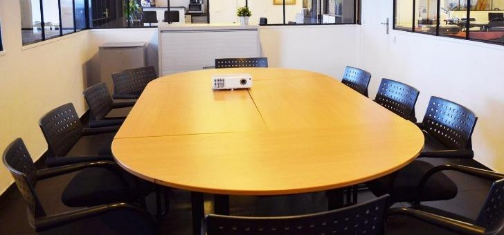 split-coworking-a-paris-18-des-espaces-et-des-bureaux-partages-entre-professionnels